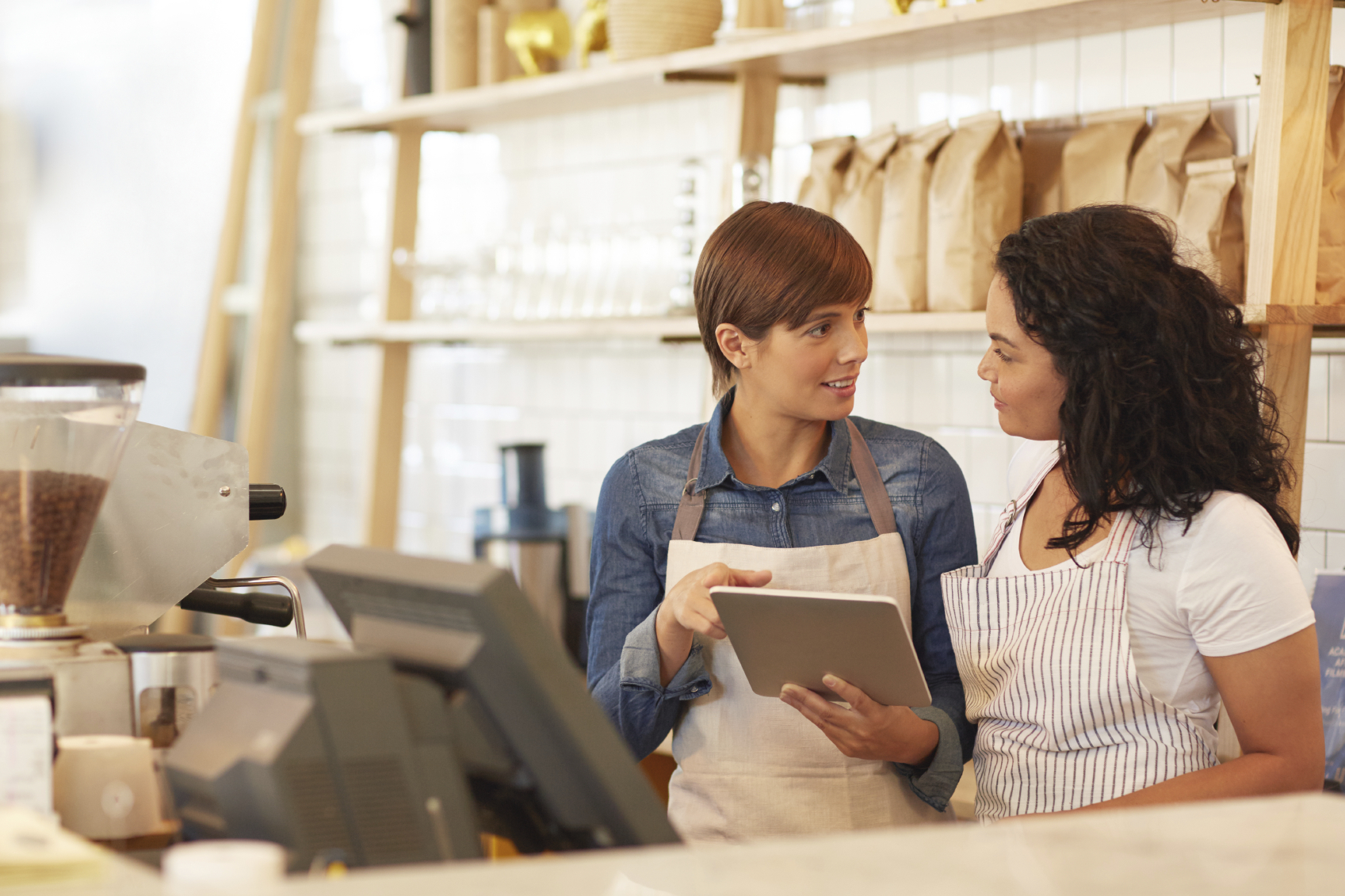 how to keep retail staff engaged