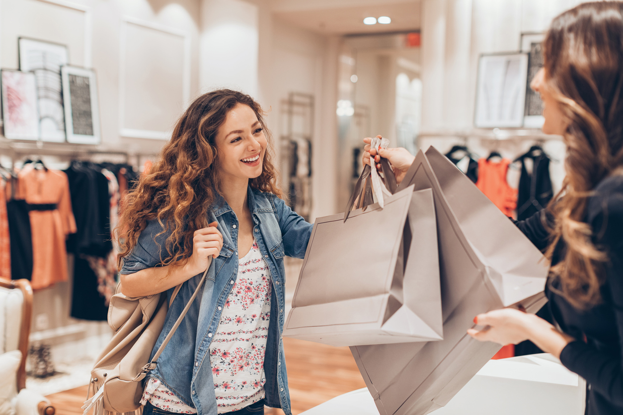 The Best Retail Experiences That Keep Customers Returning (8 Experience  Types)